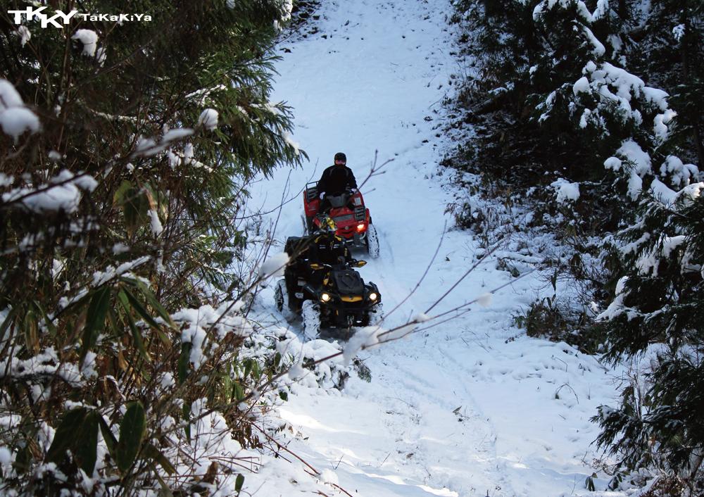 タイヤと雪