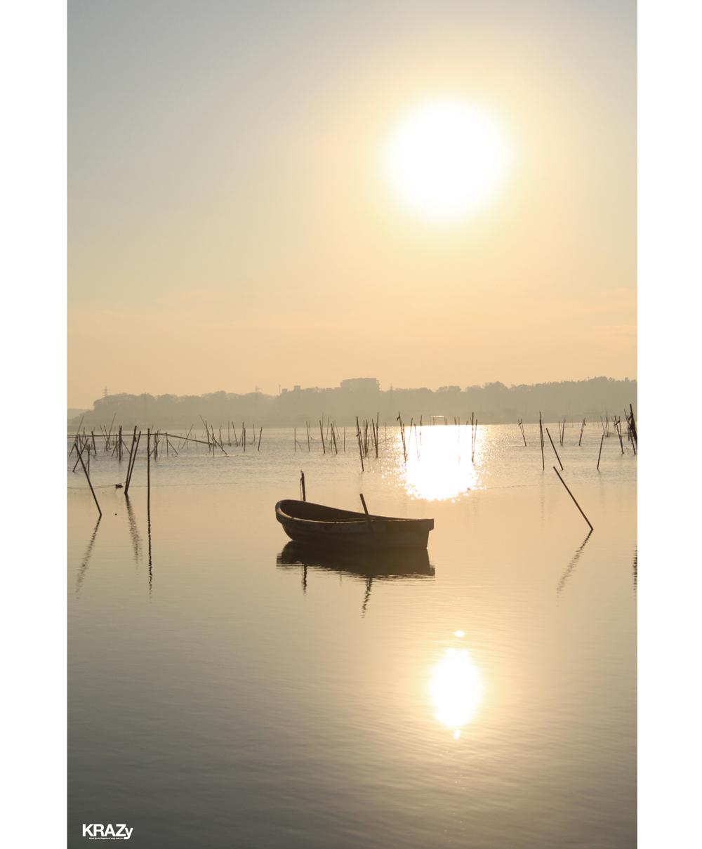 霞ヶ浦のボートと夕陽